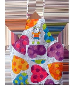 90CC7D avental infantil coracao colorido