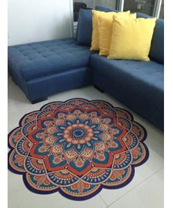 Tapete Mandala Veludo azul laranja ambientado